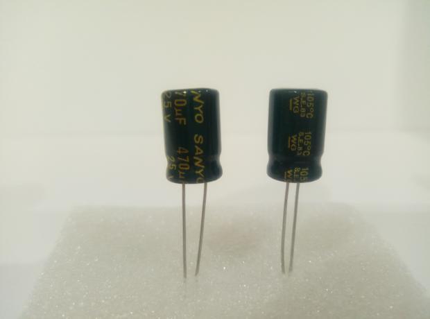 Конденсатор электролитический 470мкФ x 25В Sanyo